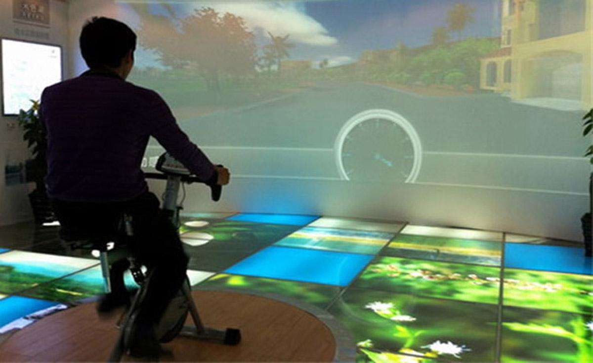 剑阁安全体验虚拟踩单车