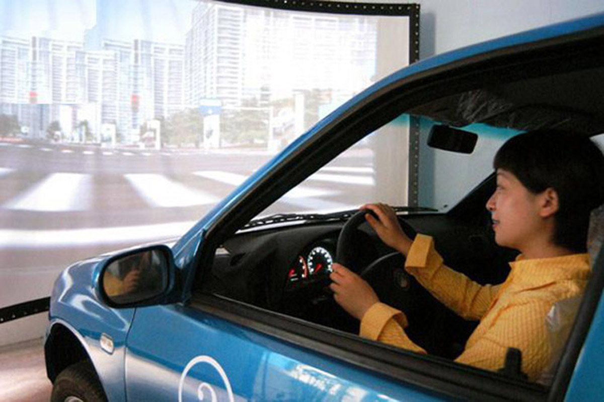 恩阳安全体验动感汽车模拟器