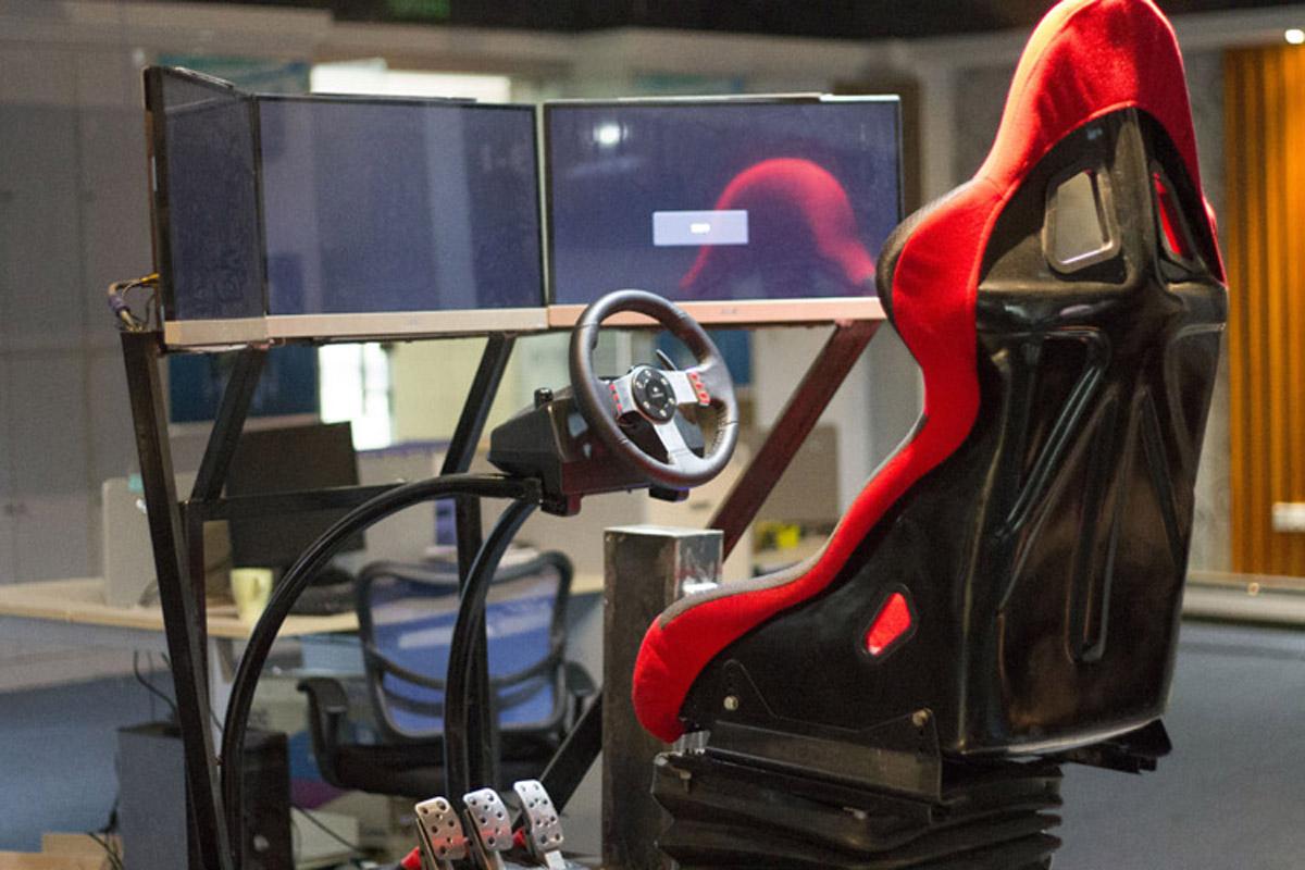 赞皇安全体验动感模拟赛车