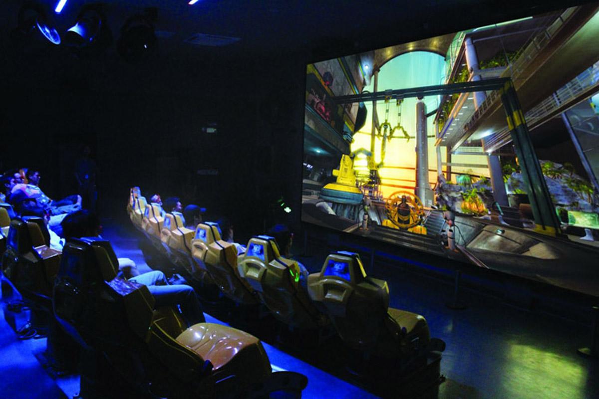 新华安全体验虚拟4D过山车