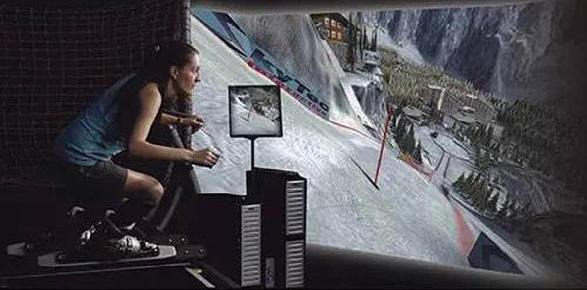 安全体验模拟高山滑雪